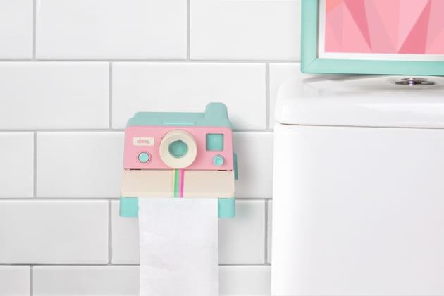 Distributeur de papier toilette Polaroïd par Doiy