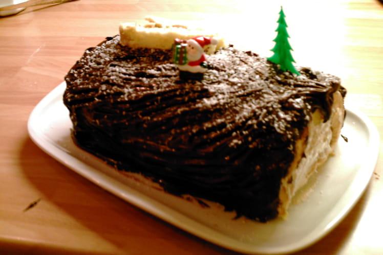 Bûche de Noël au café et ganache au chocolat