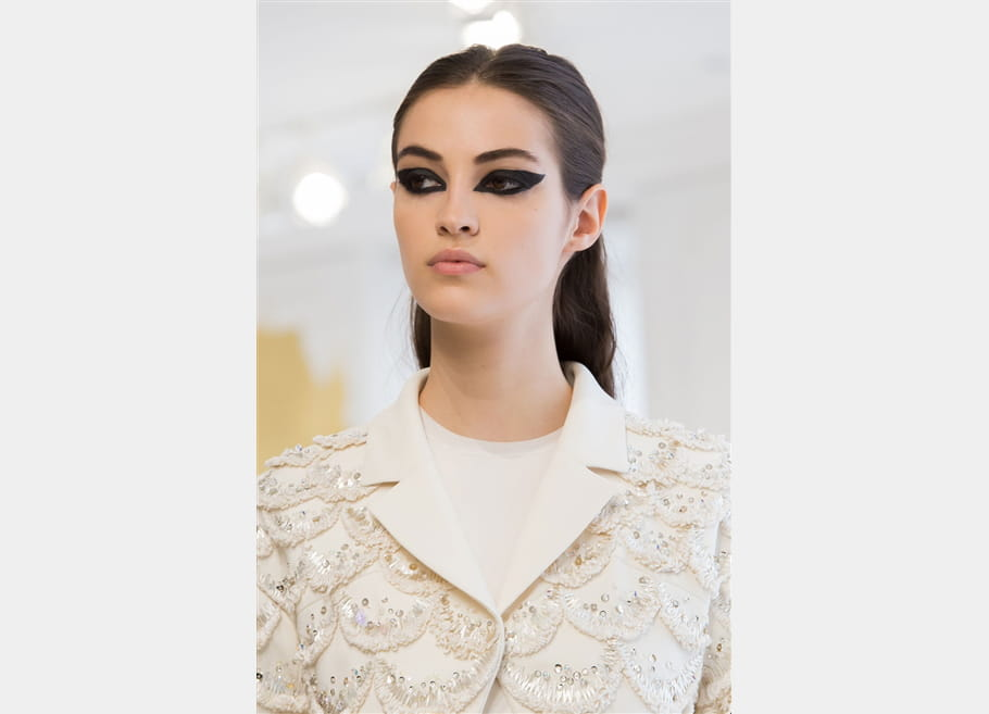 Christian Dior (Close Up) - photo 26