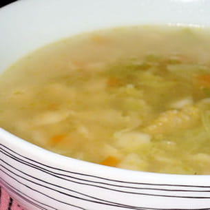 canja de galinha (bouillon de poule)