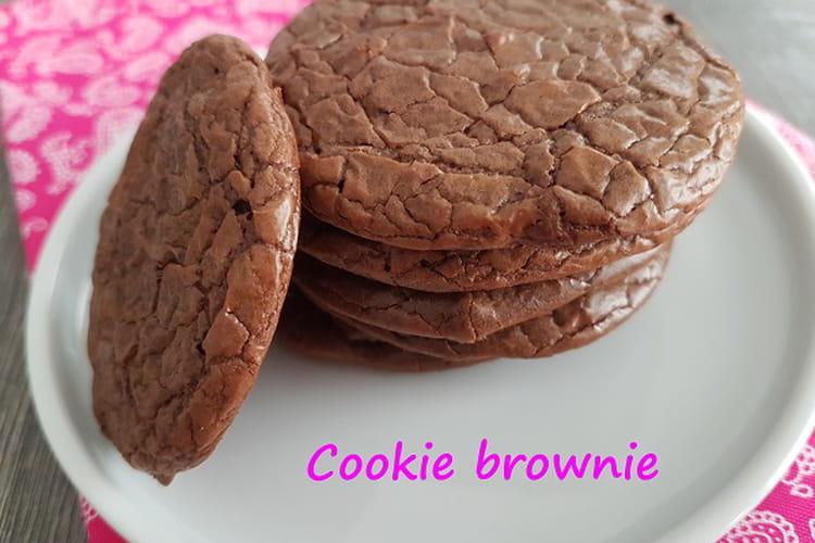 Cookie brownie aux pépites de chocolat