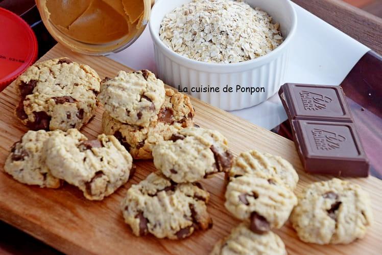 Cookies aux flocons d'avoine, beurre de cacahuète et pépites de chocolat
