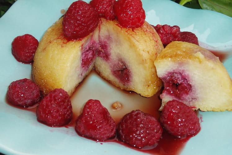 Gâteau de semoule framboises-cassis