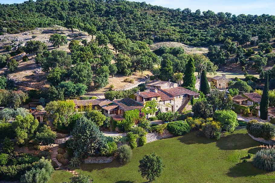 À quoi ressemble le village provençal de Johnny Depp?