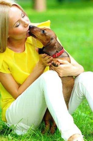 le fait d'adorer son chien n'empêche pas de garder ses distances avec l'animal.