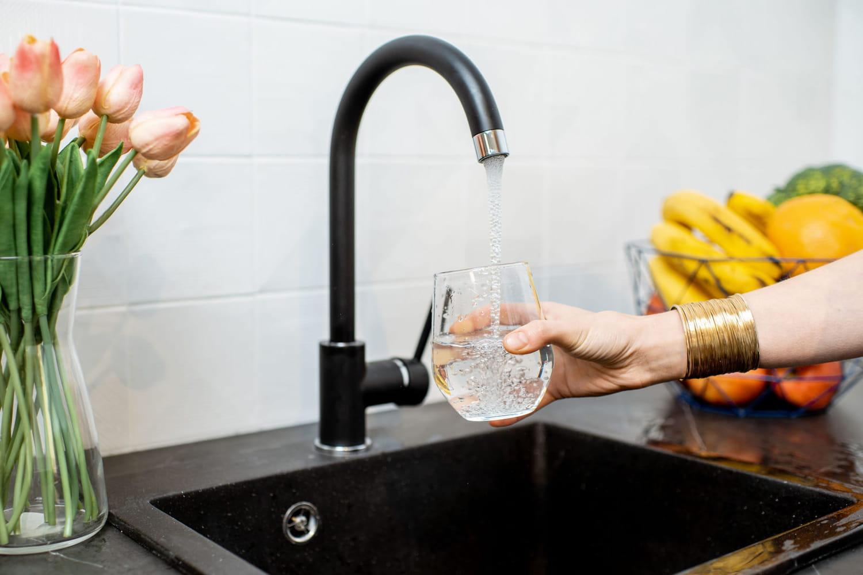 Pesticides dans l'eau du robinet: inquiétant ou pas?