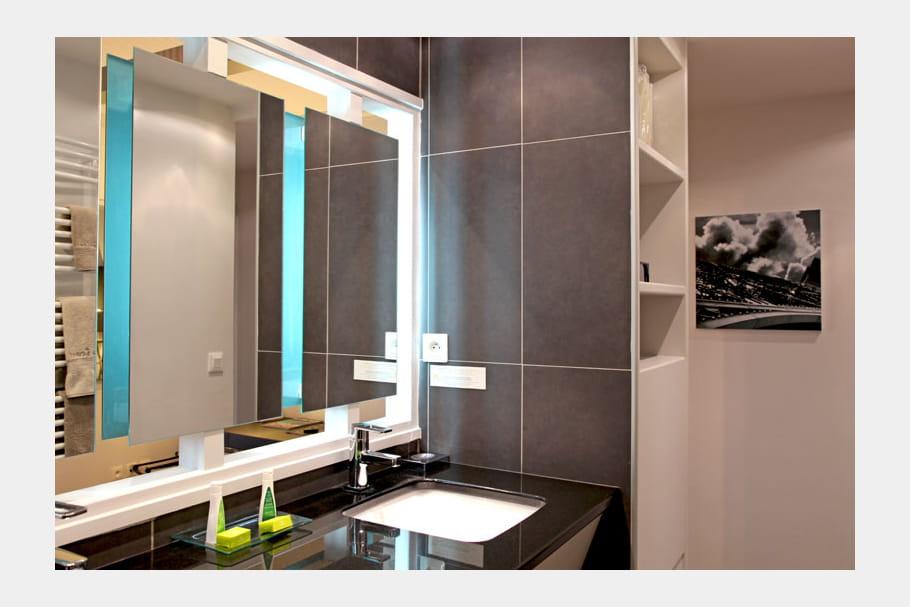 miroir effet 3d. Black Bedroom Furniture Sets. Home Design Ideas