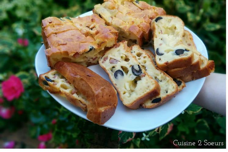 Cake aux olives, lardons et mozzarella