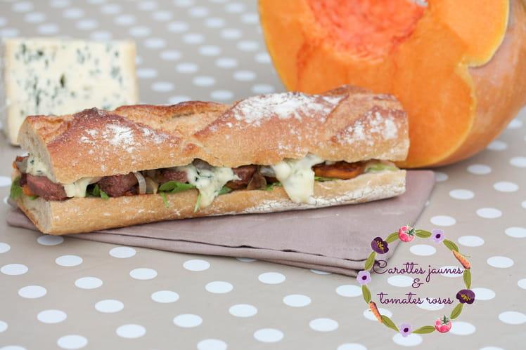 Sandwich automnal au potiron, canard et bleu