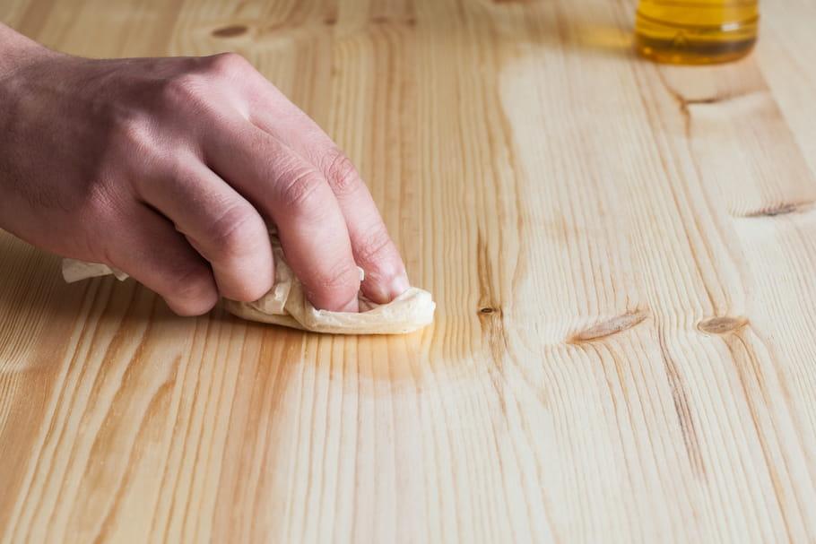 Comment nettoyer un meuble en bois?