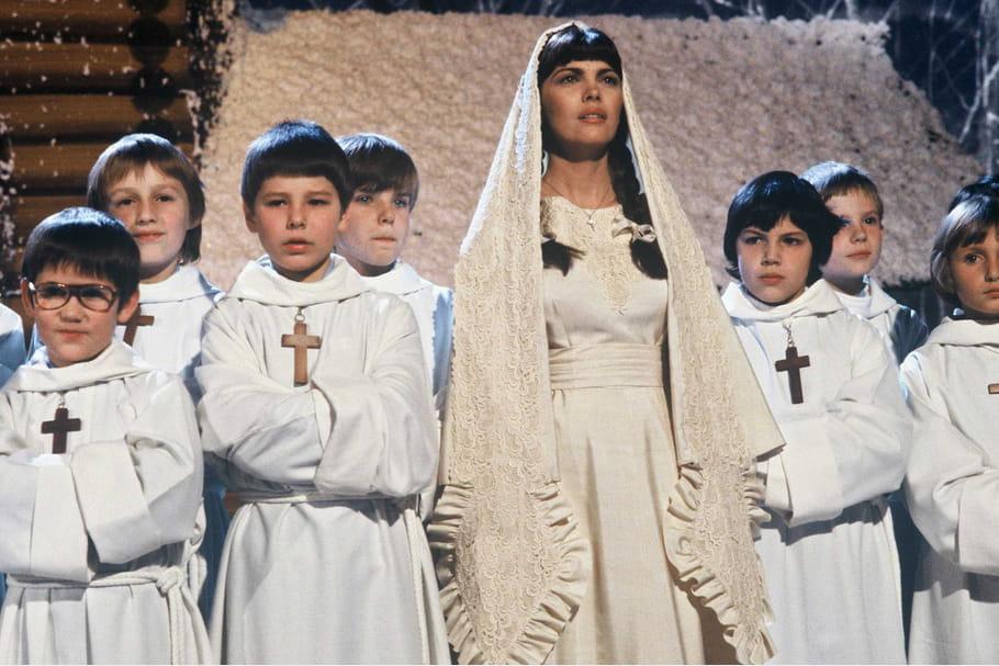 """Virginale sur le plateau du """"Show Mireille Mathieu"""" en 1978"""
