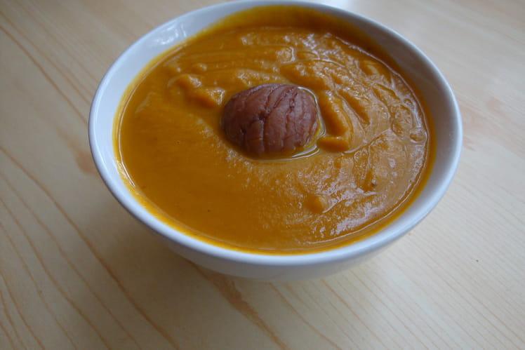 Velouté de carottes et châtaignes au curry