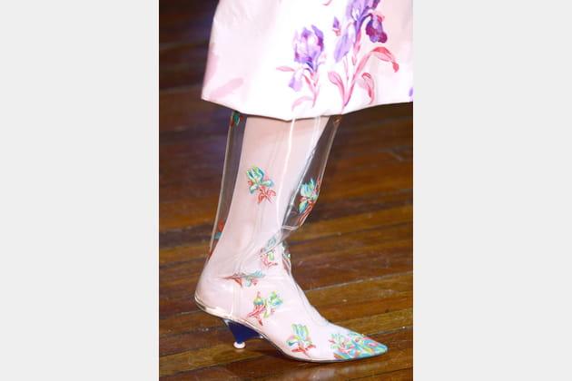 Les bottes translucides en plastiques du défilé Kenzo