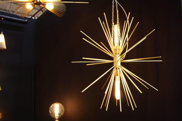 La lampe Elara de Charles Lethaby Lightning