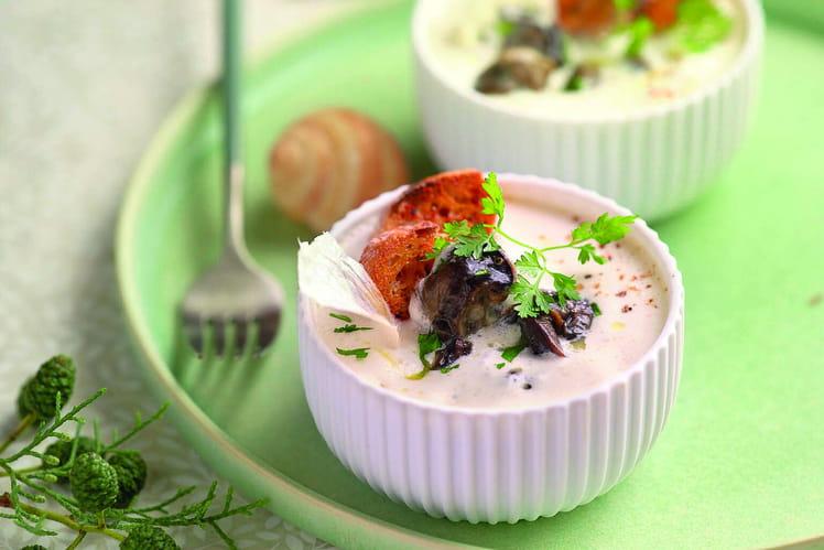 Cassolette d'escargots à la crème d'ail