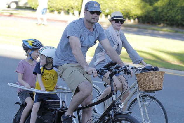 Virée à vélo avec leurs 2fils, Alexander et Samuel