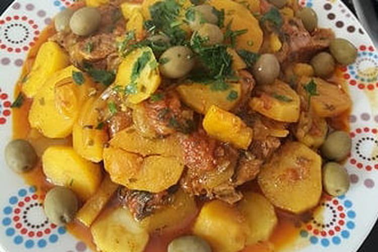 Tajine de veau aux pommes de terre et olives