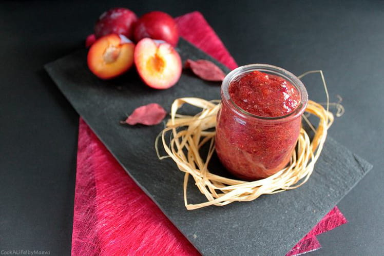 Confiture sans cuisson de prunes aux graines de chia