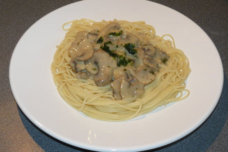 Spaghettis sauce aux champignons