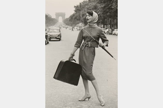 """""""Mode sur les Champs-Élysées"""""""