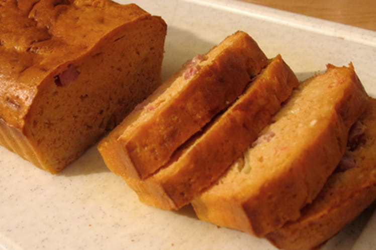 Cake au gouda, jambon et cumin