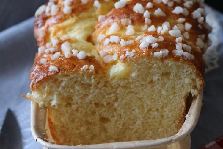 Brioche moelleuse aux grains de sucre