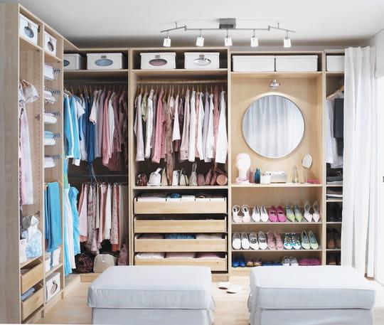 dressing d 39 angle ikea. Black Bedroom Furniture Sets. Home Design Ideas