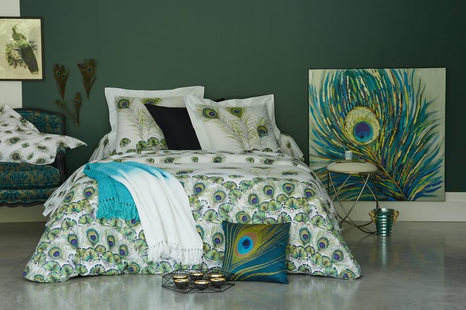 avec becquet cr ez une parure de lit qui sera commercialis e. Black Bedroom Furniture Sets. Home Design Ideas