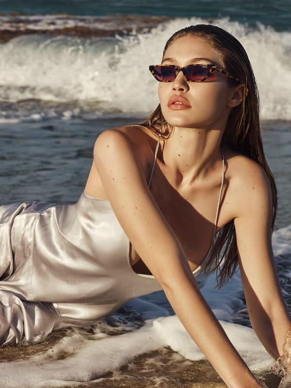 c5eb180c78ac2a Lunettes de soleil Gigi Hadid X Vogue Eyewear S S 2018 © Vogue Eyewear