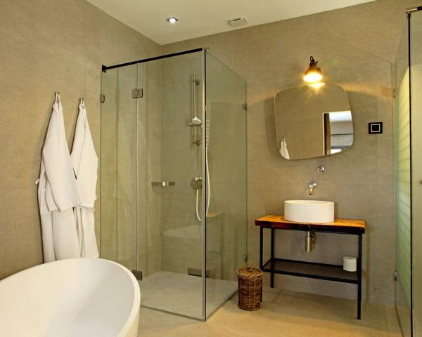 paroi de douche en verre. Black Bedroom Furniture Sets. Home Design Ideas