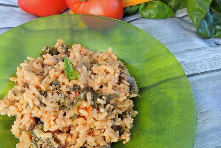 Risotto à la tomate, blettes et champignons