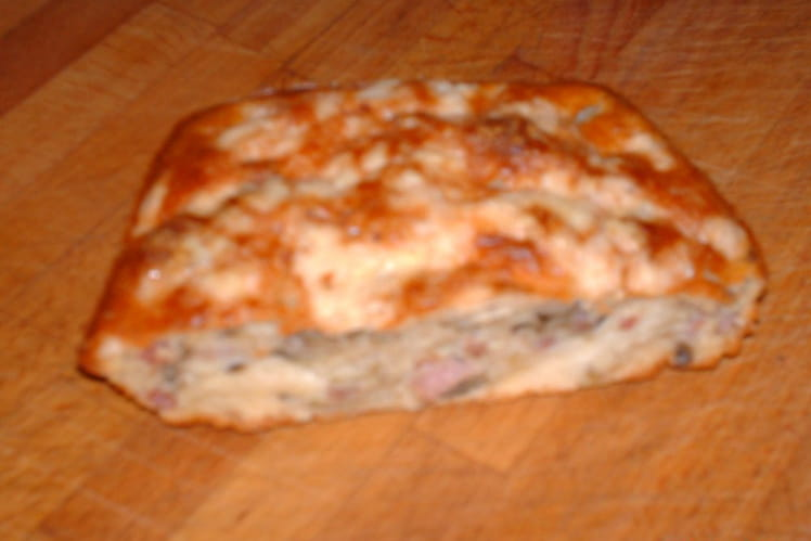 Cake à la courgette, aubergine et lardons