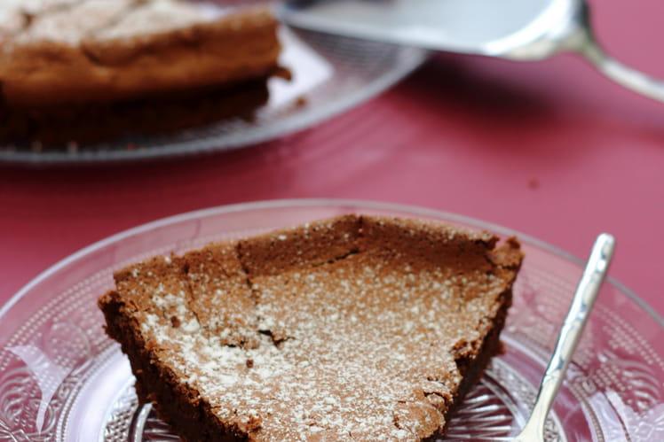 Gâteau fondant au chocolat noir et à la poudre d'amande sans beurre