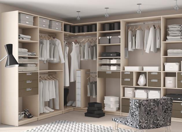 dressing d 39 angle sogal. Black Bedroom Furniture Sets. Home Design Ideas