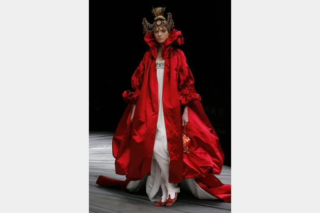 """Défilé Alexander McQueen """"The girl who lived in the tree"""" automne-hiver 2008-2009"""