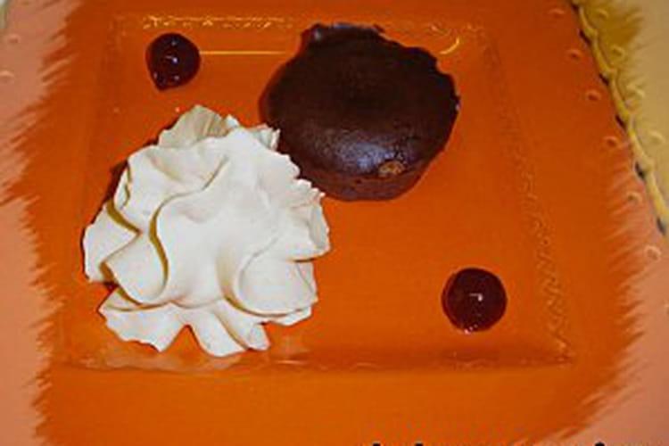 Mini-moelleux au chocolat, chantilly au caramel au beurre salé