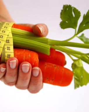 les crudités, en trop grande quantité, peuvent favoriser la cellulite.