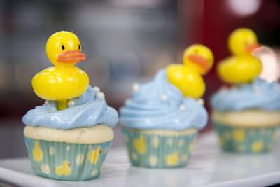 les cupcakes meringués 'canard dans son bain' d'Émilie.