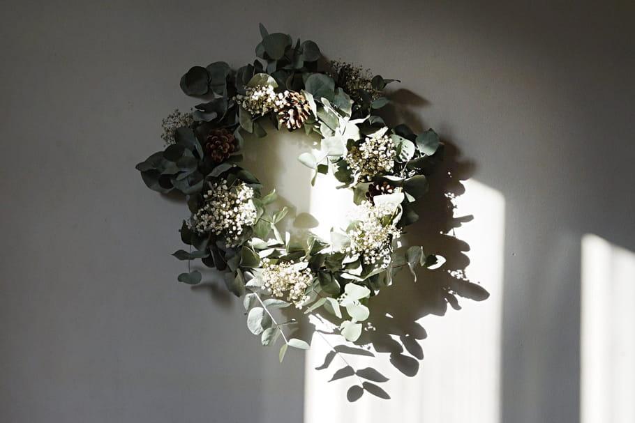 Fabriquez une couronne végétale à partir d'un bouquet [TUTO]