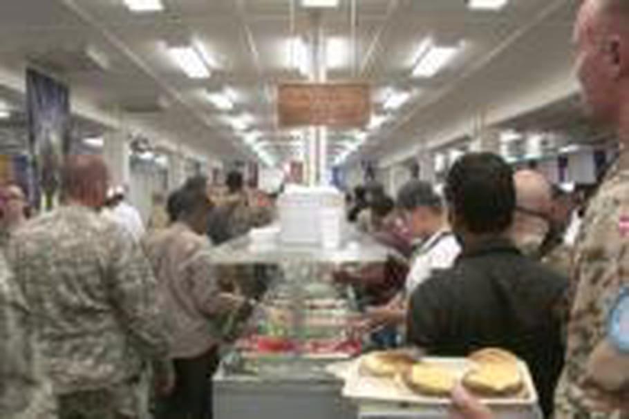 En Afghanistan, la cuisine entretient le moral des troupes
