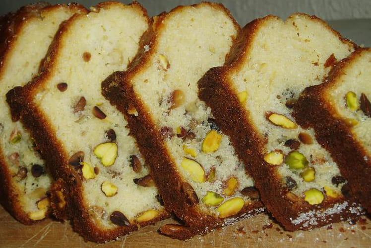 Cake aux pignons-pistaches et citron