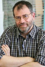 martin winckler, médecin généraliste de son état, est également l'auteur du