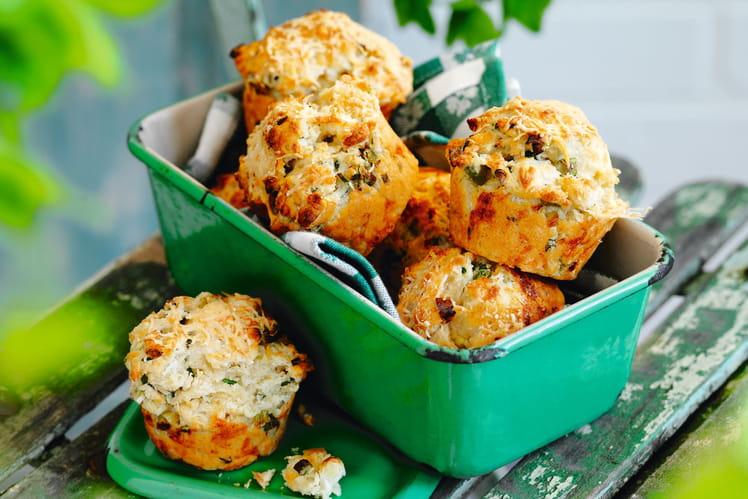 Muffins aux trois fromages et à l'oignon