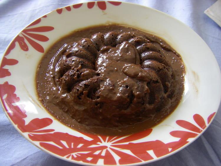 recette de pudding et sauce au chocolat la recette facile. Black Bedroom Furniture Sets. Home Design Ideas