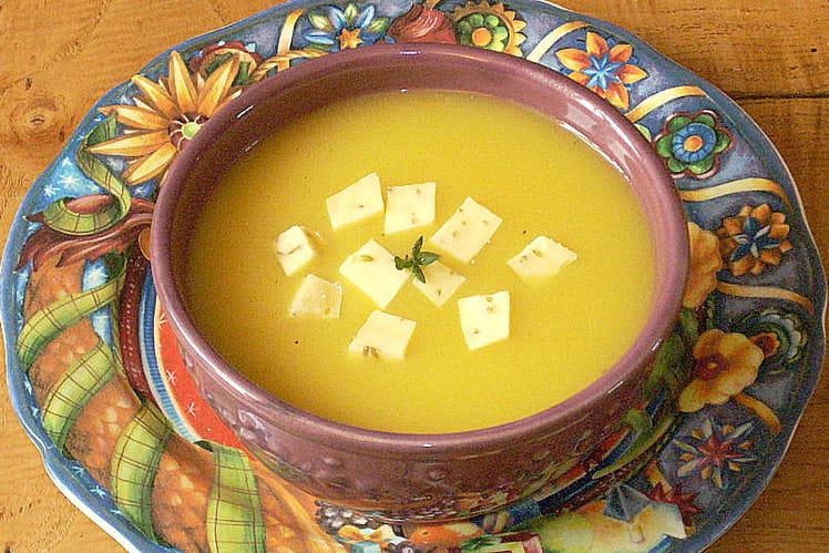 Soupe à la citrouille, oignon et gouda au cumin