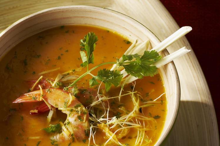 Velouté de légumes aux crevettes marinées