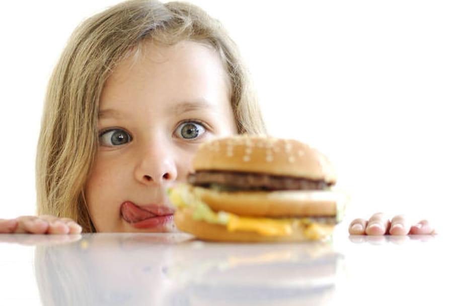 Pas de sodas dans les menus enfants : la fausse bonne idée de Burger King