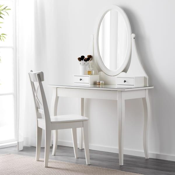 coiffeuse ikea des mod les dans lesquels on va adorer s 39 admirer. Black Bedroom Furniture Sets. Home Design Ideas