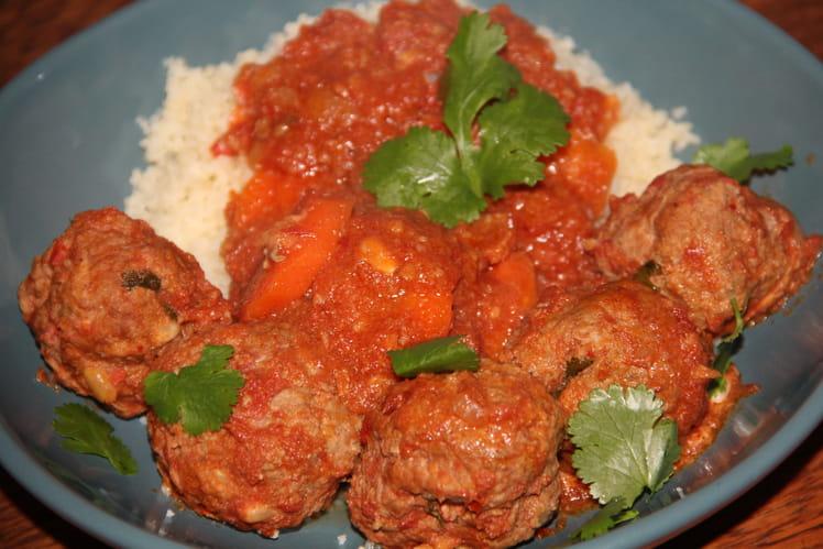 Boulettes de bœuf au houmous, cumin et sauce tomates carottes