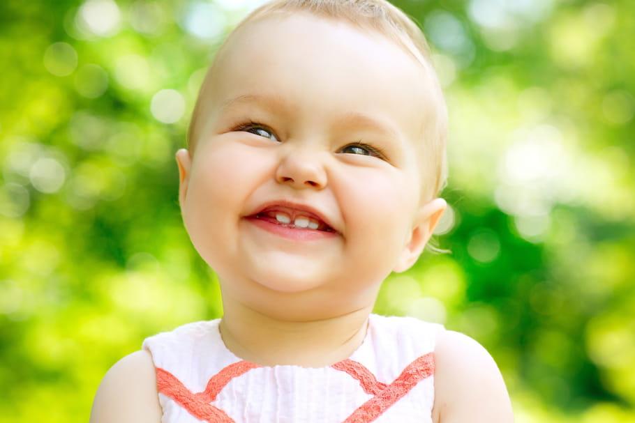A quel âge bébé fait-il ses dents?